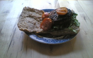 burger_with_tomatoes_300